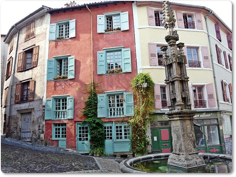 Brunnen in Le Puy-en-Velay